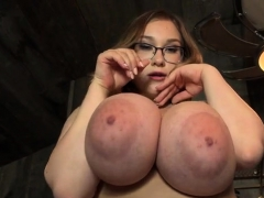 Unpretentious tits pornstar sex with cumshot