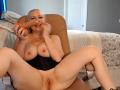 Pulling Cosset Neighbor Gives Admiration Be useful to Her Viewers