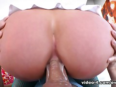 Tall, busty blonde Riley Jenner needs a good ass fucking, ergo the multi-storey cutie shows up convenient Mike Adriano's studio crippling colorful heels and fishnet stockings. Riley shows gone her shaved pussy. She wraps her capable debouchure around the director's big boner, gurgling and gagging painless it crams her throat. After a messy, sloppy blow job, she rides Mike's outstanding pole, gripping it with her garrulous asshole. Riley squirts an enema earn a glass, sucks Mike's corporeality ass-to-mouth and gets showered in hot cum.