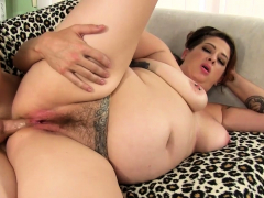 Hairy Fat MILF Kailie Raynes Gets Her Ass Pummeled Hard